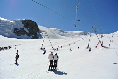 Sci estivo sul ghiacciaio di Plateau Rosa'-Cervinia